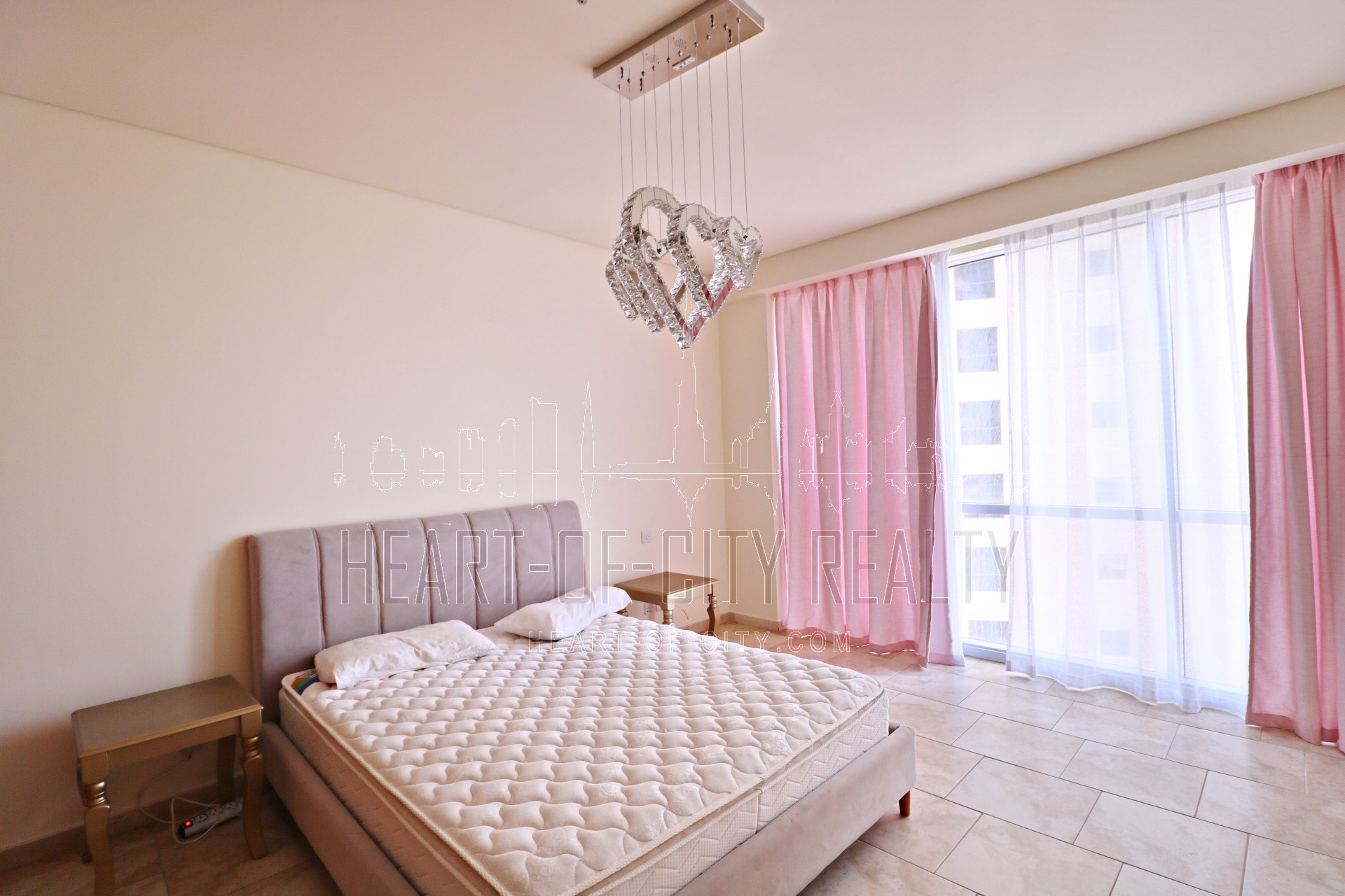 Bedroom in apartment for rent in Al Fattan JBR Dubai
