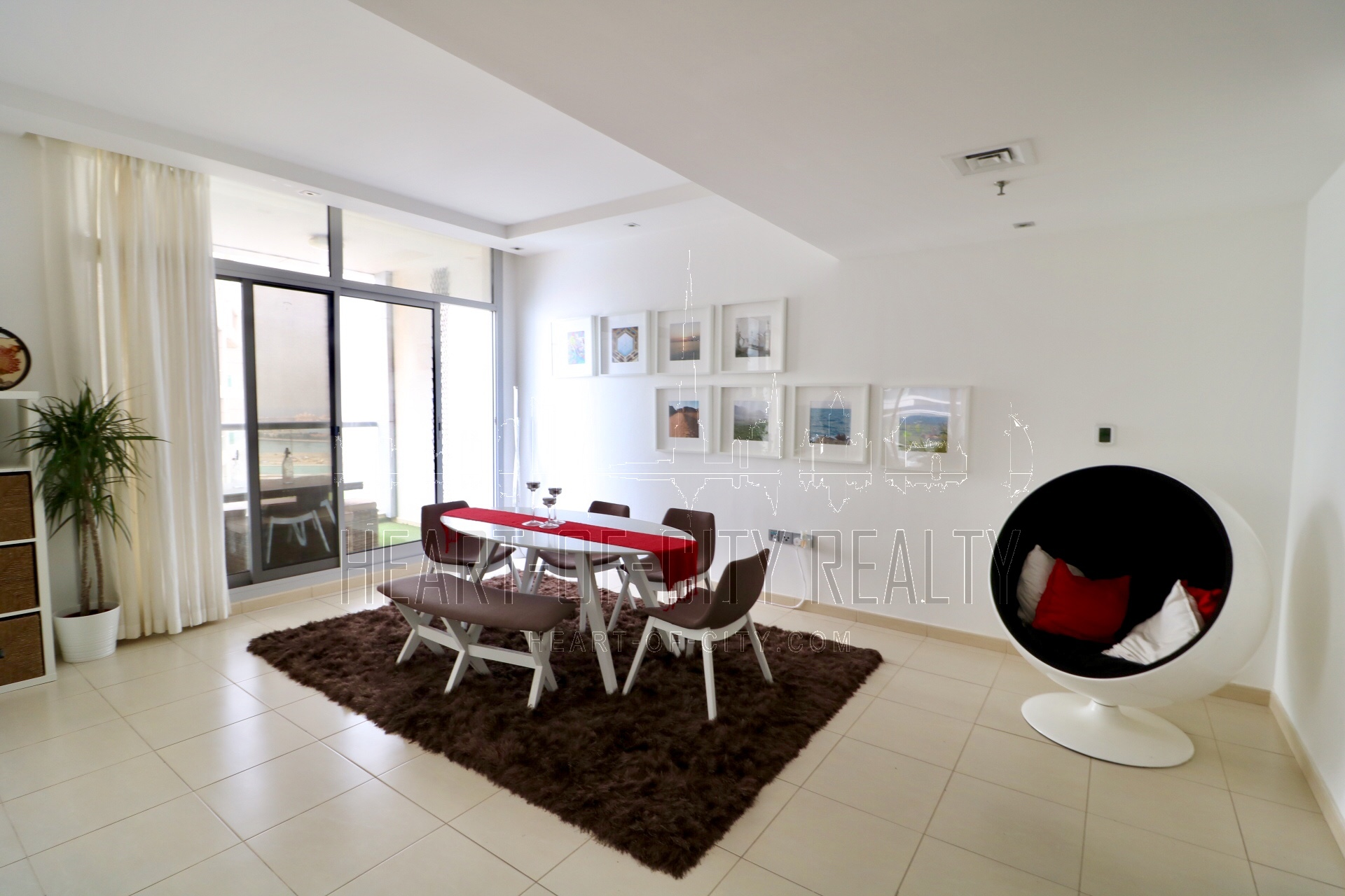 Dining room in apartment-duplex for rent in Sky view tower at Dubai Marina