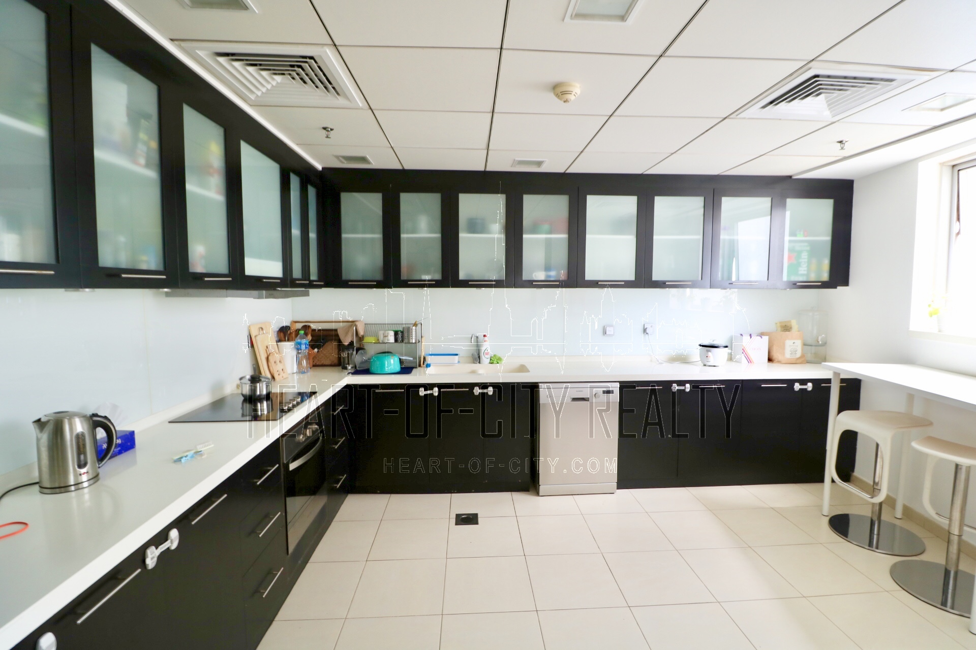 Kitchen in apartment-duplex for rent Sky view tower Dubai Marina