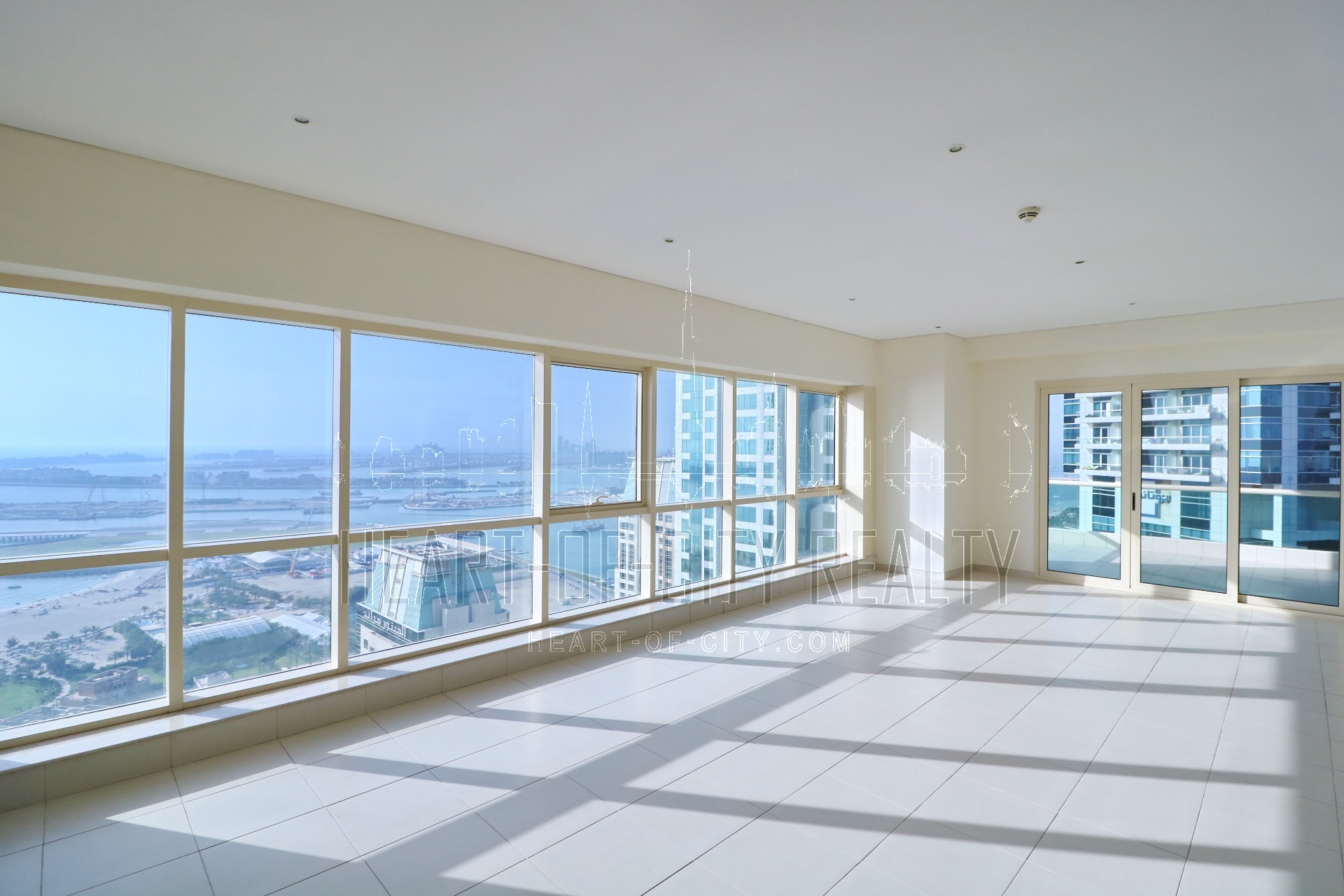 apartment for sale in Royal Oceanic at Dubai Marina