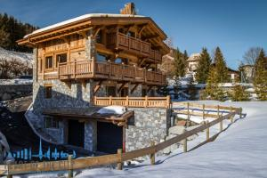 Holiday-chalet-for-rent-Megeve-France-at-day