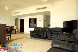Living Room in Apartment for sale at Rimal JBR in Dubai