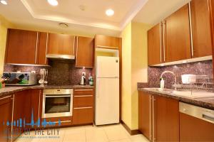 Apartment for rent Fairmont North at Palm Jumeirah in Dubai-Kitchen