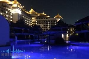 Anantara at the Palm Jumeirah, Dubai at night