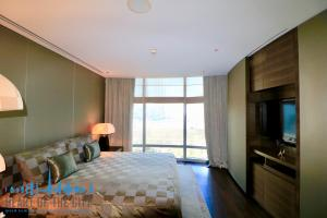 Apartment in Armani Residence - Burj Khalifa in Dubai Downtown