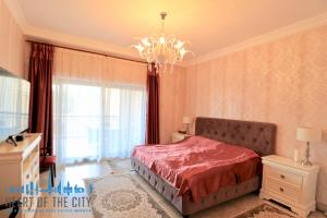 Master bedroom in holiday apartment in Fairmont Residence at Palm Jumeirah Dubai