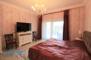 Master bedroom in holiday apartment in Fairmont Residence at Palm Jumeirah