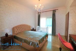 Bedroom in holiday apartment in Fairmont Residence at Palm Jumeirah Dubai