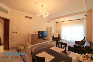 Living room in holiday apartment in Fairmont Residence  Dubai