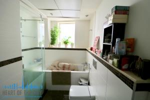 Bathroom in apartment-duplex for rent in Sky View Tower in Dubai Marina