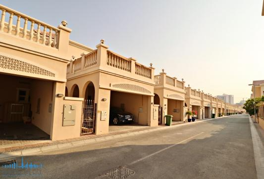 Townhouse for sale/rent in JVC Dubai