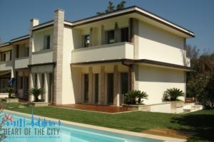 Villa for rent in Forte dei Marmi in Italy