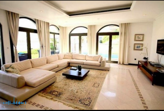Villa for sale at Frond D of Palm Jumeirah in Dubai