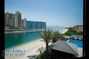 Beach for Signature Villa at Frond P of Palm Jumeirah in Dubai