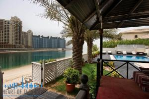 Terrace in Signature Villa for sale at Frond P of Palm Jumeirah