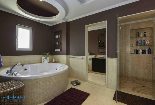 Second Bathroom in Villa at Arabian Ranches